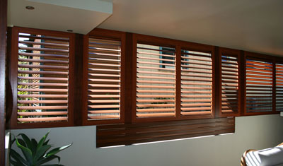Wood look shutter adjustable Internal